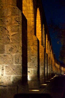 Morelia Mexico aqueduct arches at night living aboard blog