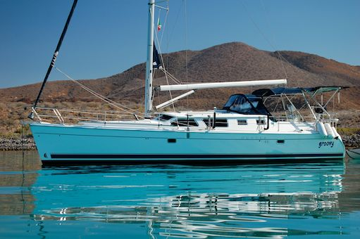Hunter 44DS cruising sailboat Groovy