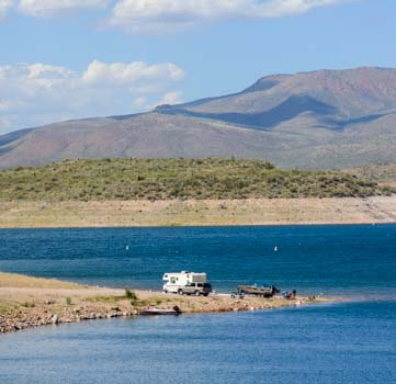 Boondocking on Roosevelt Lake