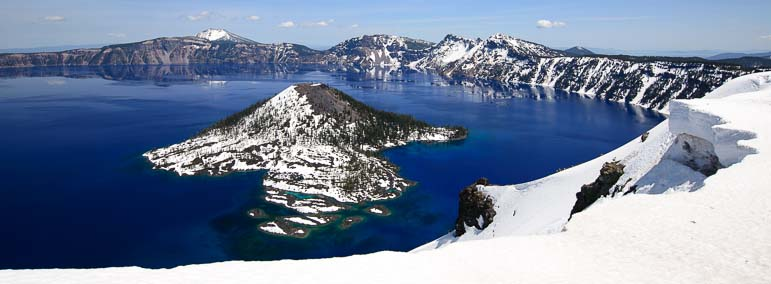 Vivid colors at Crater Lake Oregon