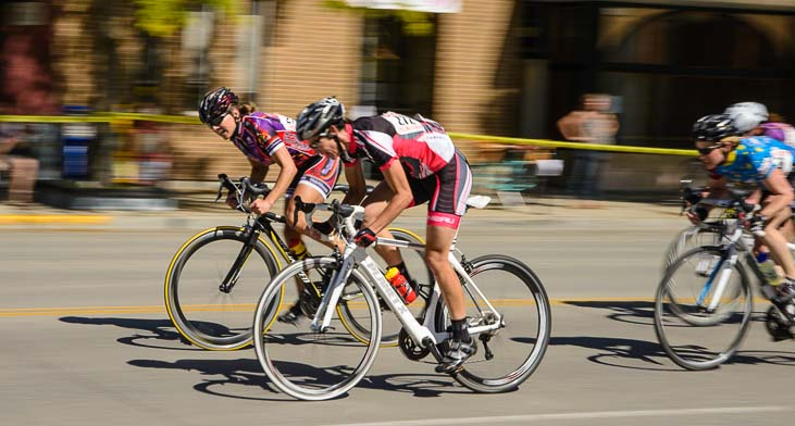 Pro Women Cyclists race all out