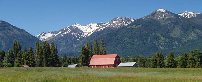 Red barns and snowy mountains in Joseph Oregon