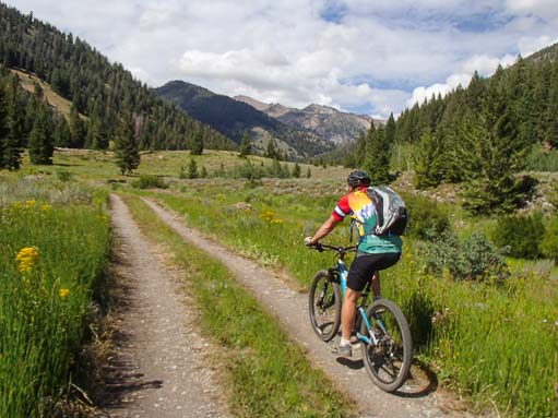 Mountain biking on the Harriman Trail in Ketchum, Idaho