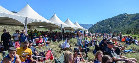 Crowds watch the Sun Valley Road Rally