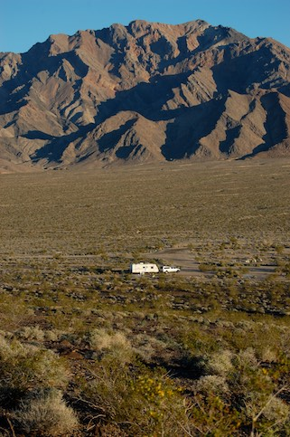 Free camping in a trailer in California Death Valley