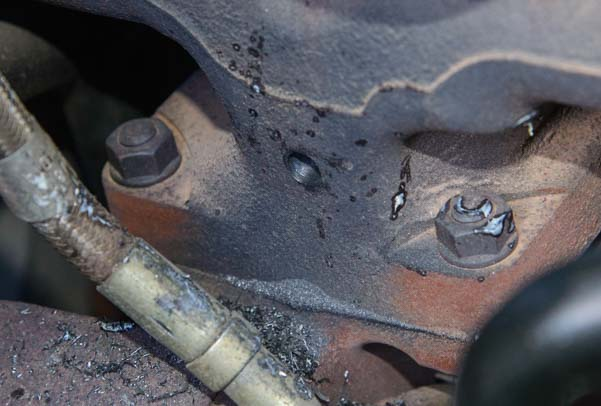 Hole drilled in the exhaust manifold