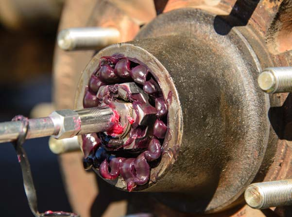 Greased wheelbearings on a trailer