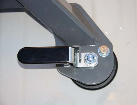 B&W Companion OEM 5th Wheel Hitch levers in locked position