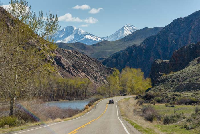Scenic drive for RV travel on the Salmon River Idaho
