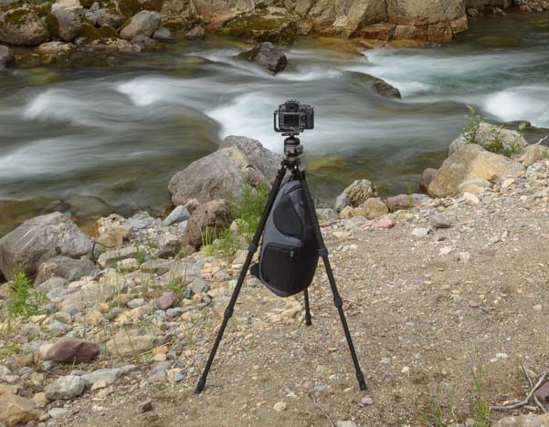 Sunwayfoto T2C40C Tripod with gear bag suspended
