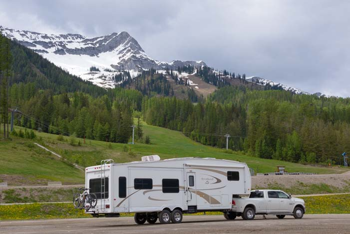 RV travel in the Canadian Rockies Columbia Lake