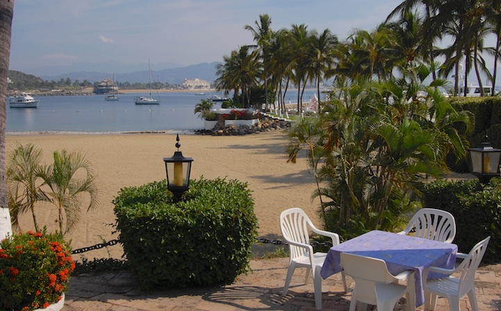 Las Hadas Resort beach dining