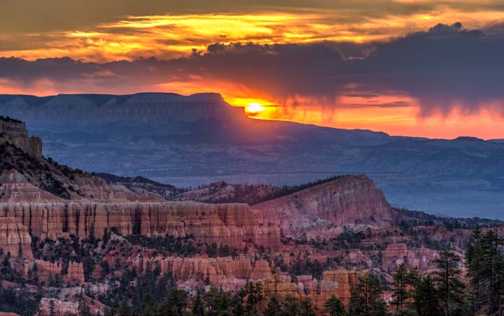 Sunrise over Bryce Canyon National Park Inspiration Point Utah