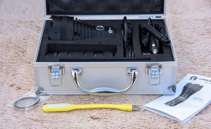 Lumintop SD75 flashlight suitcase open