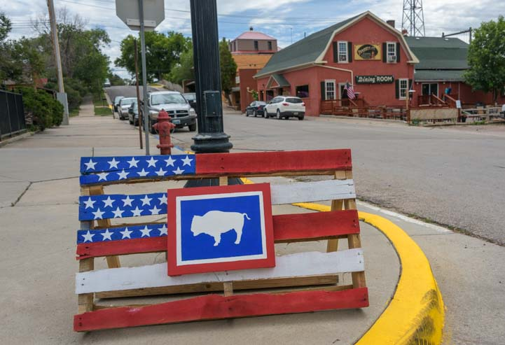 Wooden pallet American flag Newcastle Wyoming