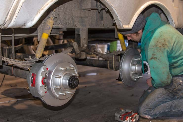 Fifth wheel electric over hydraulic disk brake conversion-min