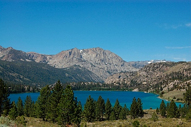 Fulltime RVing at Twin Lakes near Mammoth Lakes CA California