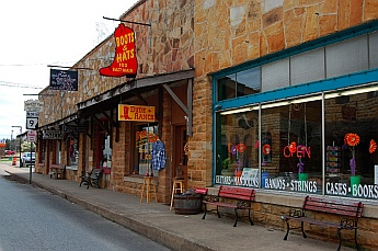 Storefronts in Mountain View AR