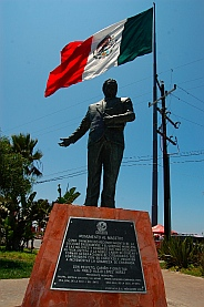 Ensenada statue honoring education and teaching.