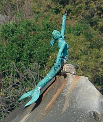 A little bronze mermaid in Puerto Marques.
