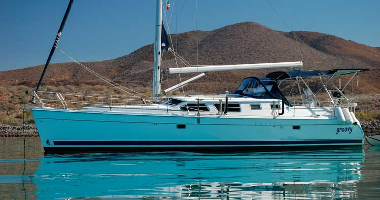 Hunter 44DS sailboat Groovy on Mexico cruise and nomadic lifetsyle-min