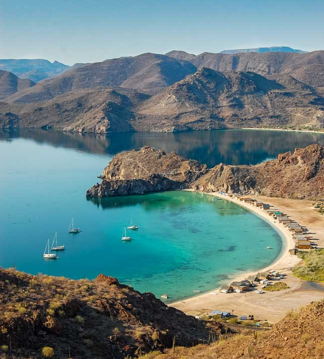 Sea of Cortez Mexico travel stories and nomadic lifestyle on a sailboat-min