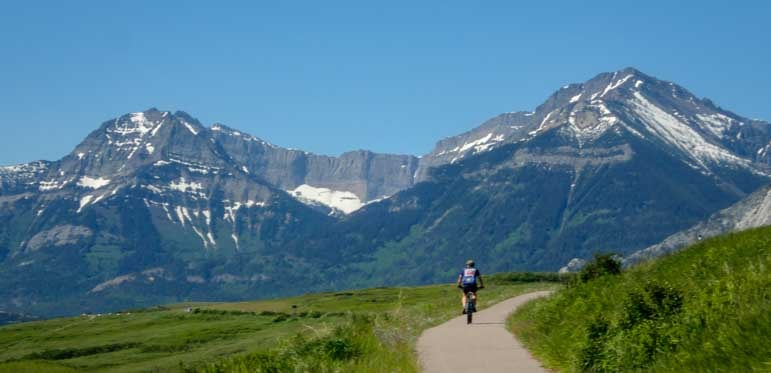 Mountain biking and RV living travel stories from Waterton Lakes Canada-min