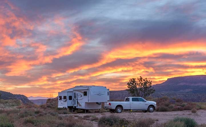 Fifth wheel RV living and travel stories from Utah-min