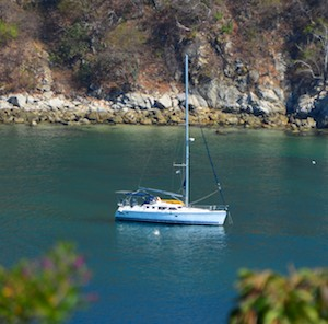 s/v Groovy in Santa Cruz Bay Huatulco Mexico sailing blog