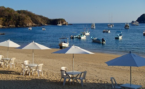 Santa Cruz Bay Huatulco Mexico sailing blog
