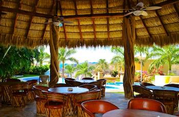 Las Palmas Resort Palapa Restaurant