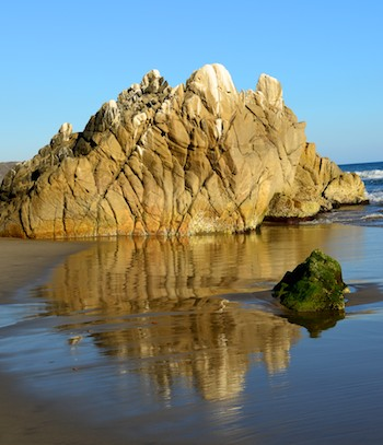 mirrored rocks at Playa La Bocana Huatulco
