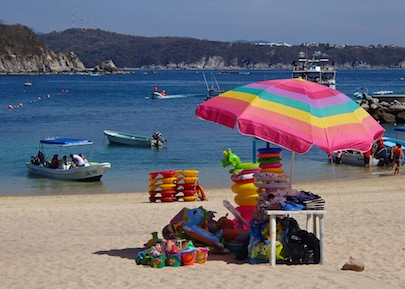 Playa Entrega Huatulco Mexico cruising blog