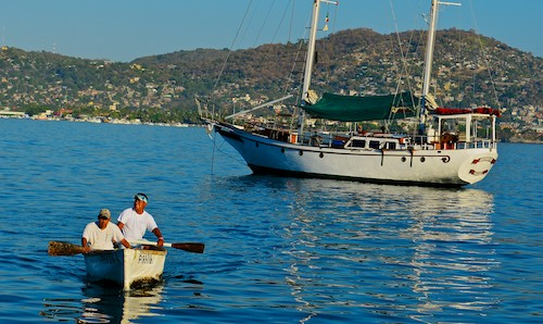 Zihuatanejo fishermen canoe sailboat Mexico living aboard blog