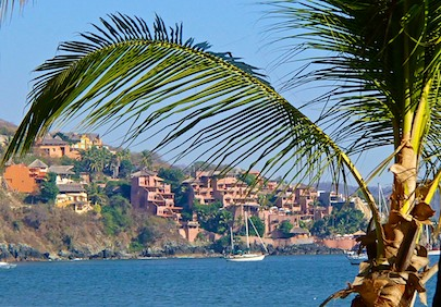Zihuatanejo Playa Principal cruising Mexico blog