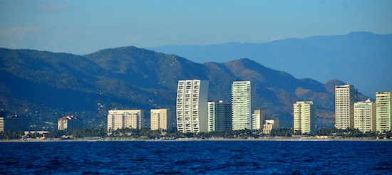 acapulco shoreline sailing blog