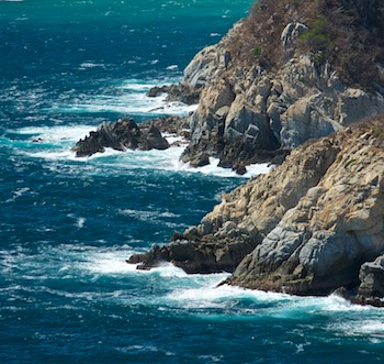 Playa Violin Huatulco Mexico sail blog