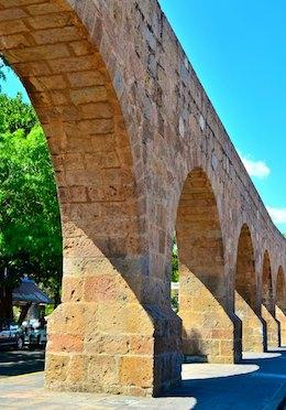 Morelia Mexico aqueduct living aboard blog