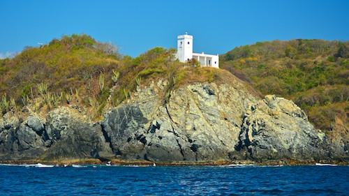 zihuatanejo lighthouse sailing blog