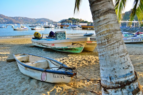 sailing blog Zihuatanejo pangas on the beach