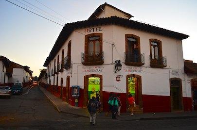 Patazuaro Michoacan hotel living aboard blog