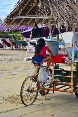 Santiago Bay beach vendor cart