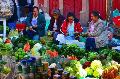 Patzcuaro indian market vendors