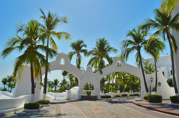 sail blog las hadas resort arches manzanillo mexico