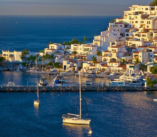 sail blog Las Hadas anchorage