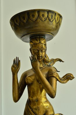 cruising blog Bronze sculpture Las Hadas