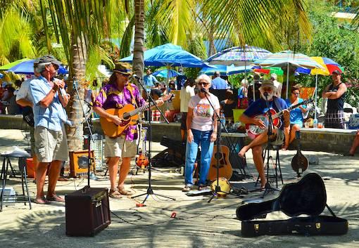 La Cruz market band