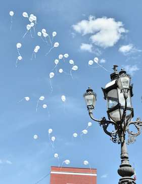 Balloons released above Teatro Juarez