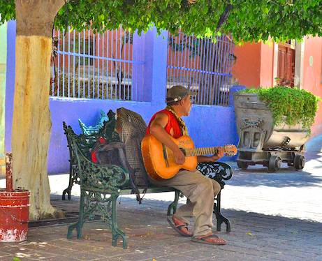 Street musician in Guanajuato