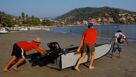 Dinghy valet in ZIhuatanejo